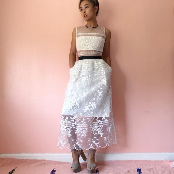 Self-Portrait Dresses & Skirts - 🌬HP🌬 Self Portrait Lace Midi Dress
